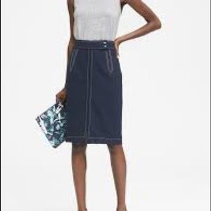 Banana Republic Contrast Stitch Navy Skirt Size 12